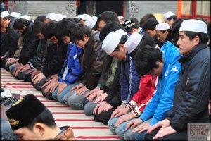 Chines 18 Sh 300x200 - 99 درصد مسلمانان چین از «اهل سنت» هستند