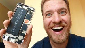 iphone in chin 1 300x169 - این شخص، تصمیم گرفت خودش جک هدفون را به آیفون 7 اضافه کند