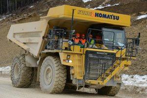 kamion komperesi 27 sh 300x200 - سنگین وزن ترین وسیله نقلیه برقی جهان ساخته شد